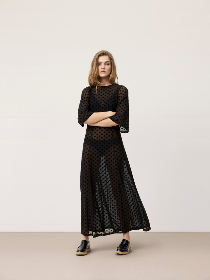 karolinedelaconcha-ganni-black-dress