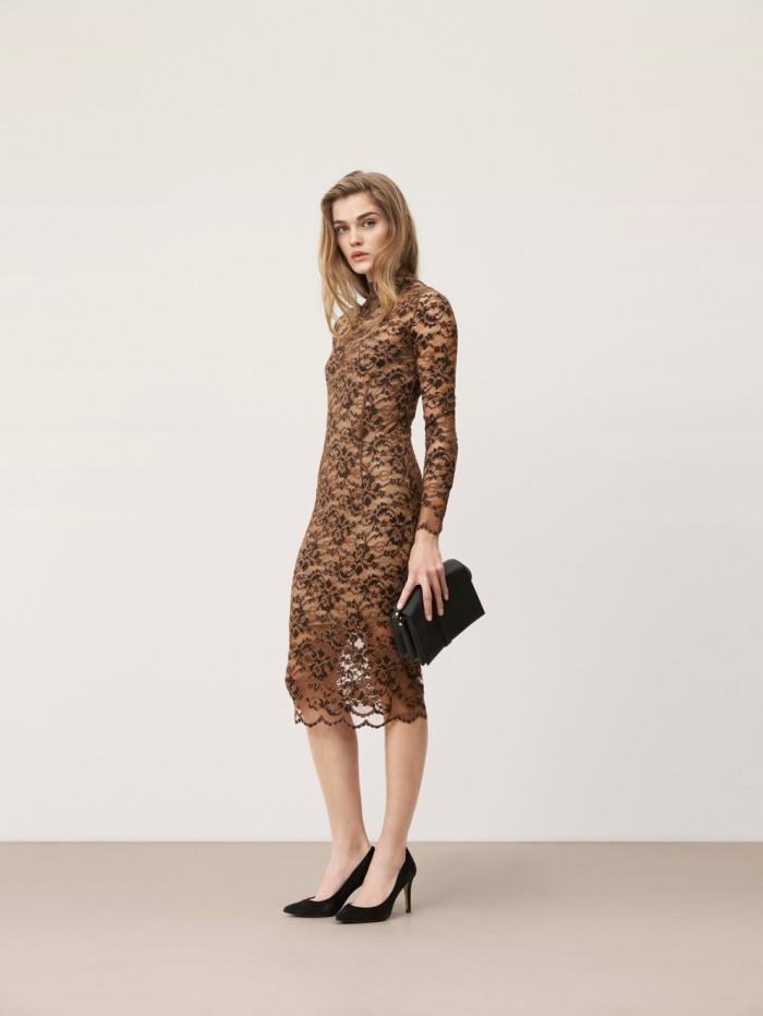 karolinedelaconcha-ganni-lace-dress